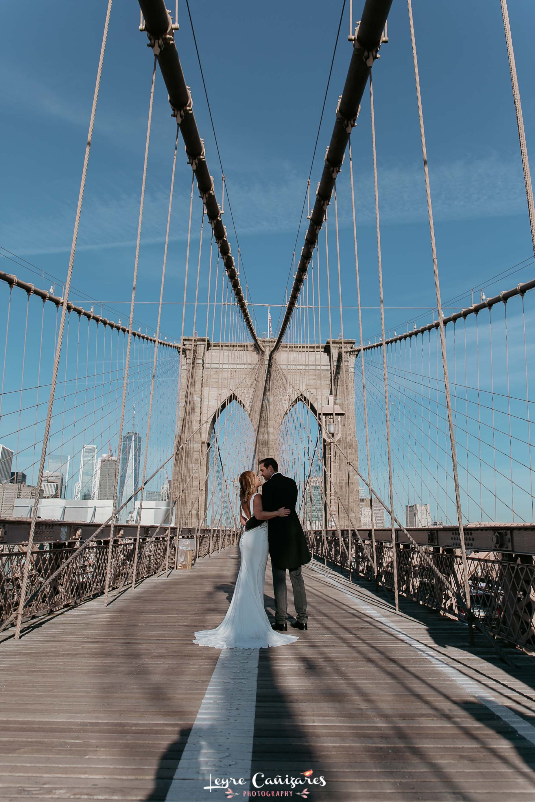 brooklyn bridge wedding photoshoot