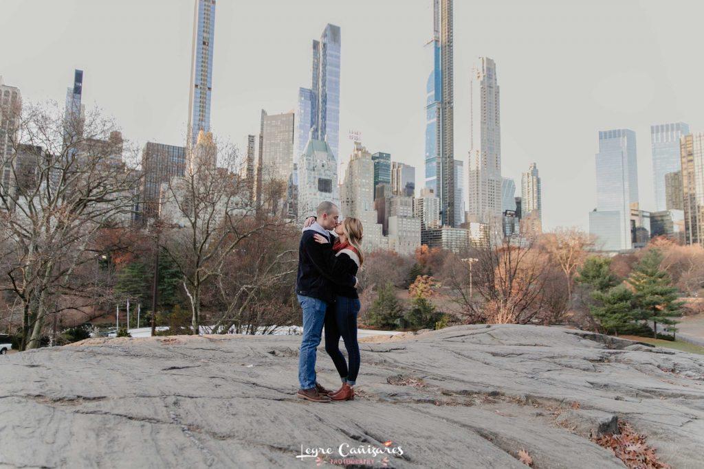 engagement photos in gapstow bridge, nyc photographer